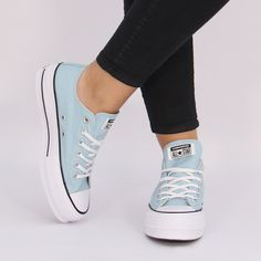 Platform Converse, Converse Shoes, Shoes Sneakers, Shoes Heels, Trendy Shoes, Cute Shoes, Me Too Shoes, Dress With Sneakers, Sneakers Fashion