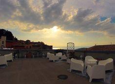 Opção de hotel em Montefiascone – arredores de Roma / Escolho Viajar Palazzo, Celestial, Sunset, Outdoor, Viajes, Destinations, Adventure, Traveling, Rome