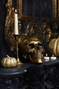 Delve into your dark side this Halloween with a bit of black lace and glamorous gold accessories. Classy Halloween, Fete Halloween, Gothic Halloween, Halloween Dinner, Halloween Home Decor, Halloween House, Halloween 2020, Holidays Halloween, Halloween Themes