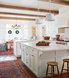 beautiful island and I love the rugs in the kitchen