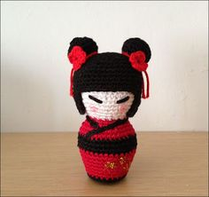 Kokeshi Doll - Free Amigurumi English Pattern here: http://artedetei.blogspot.com.es/2013/03/kokeshi-amigurumi-english-pattern.html