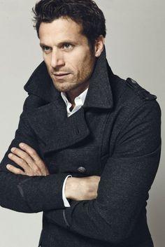 A classic pea coat, collar popped.  Le sigh!