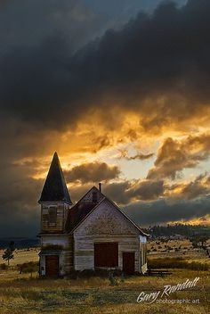 Simnasho Village Church, Simnasho, Warm Springs Reservation, Oregon; photo by Gary Randall