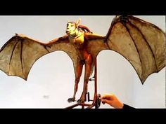 Maurice Montero Metamorfosis - YouTube Best Mouse Trap, Mechanical Art, Halloween Yard Decorations, Kinetic Art, Paper Models, Puppets, Sculpting, Moose Art, Sculptures