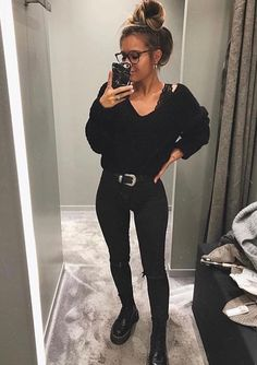 All black outfit - Outfits ta All Black Outfit Casual, All Black Outfits For Women, Black And White Outfit, Black Women Fashion, White Outfits, Fall Outfits, Casual Outfits, Clothes For Women, All Black Converse Outfit