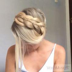 WATCH ME delicate milkmaid braid tutorial #hairtutorial #peinadosvideos #braidtutorial #tutorial #howto #hairideas #summer #girly #instavideo #pressplay #hair #milkmaidbraid #chunkybraid #hairandstyles #hairideas #hairpostz #instabraids #howtodohair#hudabeauty