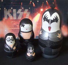 Love these Kiss Matryoshka dolls. The etsy seller Bobobabushka rocks!