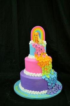 aww Ariah would love this, but princess twlight sparkle on top! 116218b08ba23c5250c5132845588636.jpg 636×960 pixels