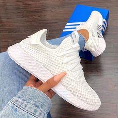 adidas Originals Deerupt – Triple White – hier kaufen adidas Deerupt - the new adidas sneaker for th White Sneakers Outfit, White Nike Shoes, White Nikes, Sneakers Fashion, Sneaker Outfits, Nike Outfits, Summer Outfits, Adidas Originals, Mode Adidas
