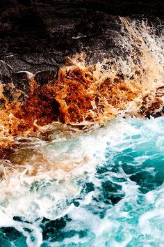 Dramatic Ocean Waves