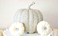 Decorate your pumpkin this Halloween without using a knife.: Glitter Pumpkin