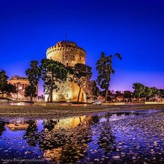 White Tower in Thessaloniki Thessaloniki, The Locals, Taj Mahal, Greece, Tower, Earth, In This Moment, Country, Building