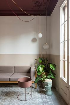 Colour blocking brightens fire-damaged Klinker Apartment in Barcelona Curved Walls, Metal Walls, Types Of Floor Tiles, Casa Top, Moving Walls, Interior Design Minimalist, Motif Art Deco, Living Area, Living Room
