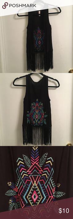 Xhiliration Vest with Fringe - Black vest with fringe - Tribal embroidered decal on back - Size XS Xhilaration Tops