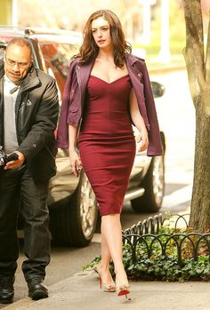 Anne Hathaway isn't shy when it comes to trying bold fashion. Here, a look at the actress's best looks from her nearly 20 years in the spotlight. Anne Hathaway Style, Anne Hathaway Photos, Anne Jacqueline Hathaway, The Princess Diaries, Ocean's Eight, Oceans 8, Blazers, Evolution Of Fashion, Devil Wears Prada