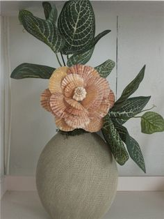 SHELL INSPIRATION: seashell flower arrangements