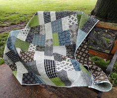 Canon's Graduation Quilt in David Butler's Parson Gray Curious Nature Quilting Tips, Quilting Projects, Quilting Designs, Crazy Quilting, Sewing Projects, Diy Projects, Quilts For Men Patterns, Quilt Patterns Free, Man Quilt
