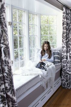 Our cozy fall window seat. (Always wanted a window seat) Home Decor Bedroom, Interior Design Living Room, Modern Interior, Modern Bedroom, Bedroom Furniture, Bedroom Ideas, Diy Bedroom, Trendy Bedroom, Bedroom Table