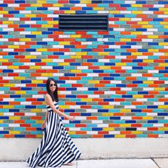 Find the best walls in Chicago with our Wall Crawl guide! Murals Street Art, Mural Art, Wall Murals, Chicago Murals, Chicago Location, Chicago Pictures, Chicago Travel, Chicago Trip, Chicago City