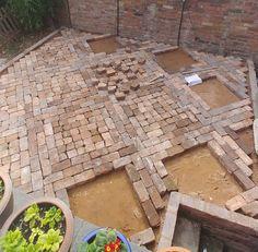 How to Lay a Patio from Reclaimed Bricks — Alice de Araujo Brick Wall Gardens, Brick Garden, Backyard Garden Design, Patio Design, Brick Steps, Brick Walkway, Brick Paving, Laying A Patio, Patio Layout