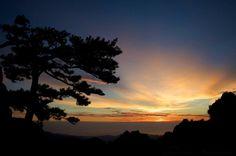Corsica - Lever de soleil sur Bavella