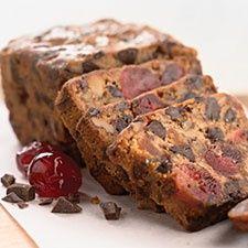 Chocolate Cherry-Berry Fruitcake - Rich fruit Cake recipe - http://acidrefluxrecipes.com/chocolate-cherry-berry-fruitcake-rich-fruit-cake-recipe/
