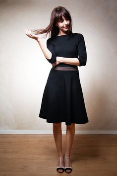 Festlich zum Weihnachtsabend: Schwarzes Winterkleid, Midi Länge / perfect christmas outfit, classy but comfy black dress, midi by Mirastern via DaWanda.com
