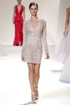 #moda Photos and comments to know the collection, the outfits and accessories for Elie Saab Spring Summer 2013 presented
