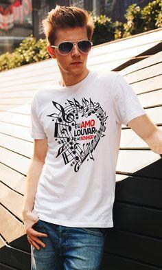 Camiseta Eu Amo Louvar o Senhor