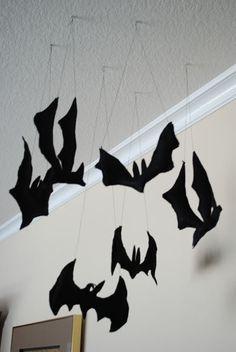 Felt Bats - easy peasy Halloween decorations