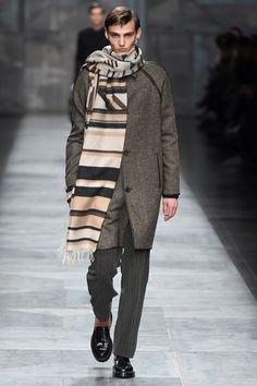 Sfilata Fendi Milano Moda Uomo Autunno Inverno 2015-16 - Vogue
