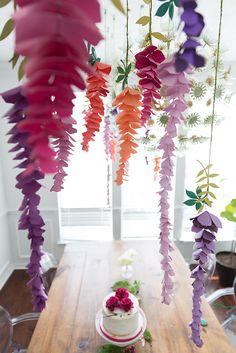 Giant Paper Flowers, Diy Flowers, Paper Flower Garlands, Hanging Paper Flowers, Paper Flower Backdrop Wedding, Flower Paper, Paper Backdrop, Diy Backdrop, Diy Paper