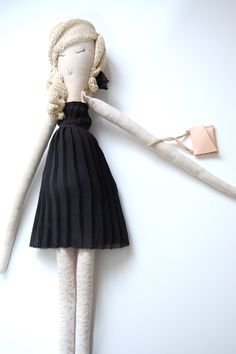 moerdesign- I am in love with this doll. Maybe more fro me than for Abi!!