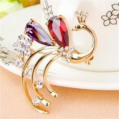 2016 Fashion Summer Jewelry Broche  Cheap Lovely  Gold peacock Brooch For Scarf Crystal Rhinestone Brooches For Women Girl