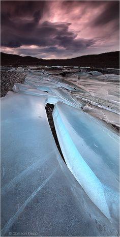 The Crack - Svínafellsjökull glacier in Skaftafell, Iceland