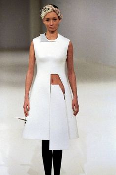 Hussein Chalayan Dress inspired on Planes