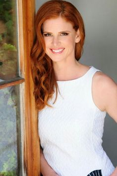 """30 Second Mom - Francoise Celebrity Baby Scoop: Sarah Rafferty: """"I've Stopped Striving For Balance"""" Sarah Rafferty, Natural Redhead, Beautiful Redhead, Elegant Sophisticated, Hottest Redheads, Redhead Girl, Strawberry Blonde, Jolie Photo, Ginger Hair"""