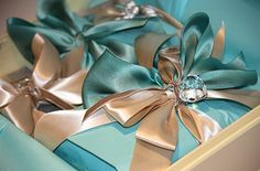 champagne & turquoise ribbon...gorgeous!