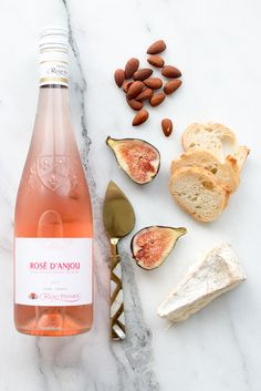 # Food and Drink pairing Entertaining : How to Pair Wine and Food — Every Day Parisian Cabernet Sauvignon, Sauvignon Blanc, Chenin Blanc, Pinot Noir, Antipasto, Wine Recipes, Great Recipes, Brunch Recipes, Decoration Photo
