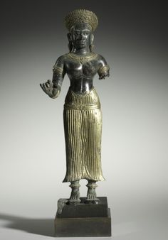 Royal Female Figure, late 1000s. Cambodia, Baphuon/Angkor Wat transition style, late 11th century