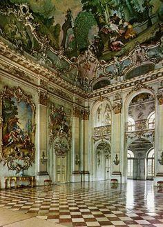 Naphenburg Palace, Czech