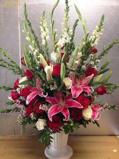 Creative Flower Arrangements, Funeral Flower Arrangements, Beautiful Flower Arrangements, Funeral Flowers, Beautiful Flowers, Deco Floral, Floral Design, Exotic Flowers, Silk Flowers