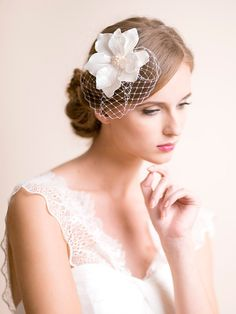 Birdcage Fascinator with Magnolia Flower – Florentes
