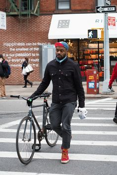 menlovefashiontoo: Quality Men's Bracelets - men's fashion & style Love Fashion, Mens Fashion, Fashion Outfits, Style Fashion, Fashion Menswear, Bike Style, Style Me, Urban Cycling, Cycle Chic