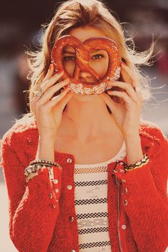One of my new favorite shoots! This free people shoot in NYC is wearable, yet totally fashion forward, LOVE IT. Karlie Kloss by Guy Aroch. Free People January 2012