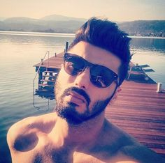 Arjun Kapoor looks all stylish and hot in his latest bare bodied holiday selfie - IndiaTV News Latest Bollywood Gossip, Indiana, Beard Boy, Arjun Kapoor, Awesome Beards, Ranveer Singh, Indian Celebrities, Bollywood Actors, Gorgeous Men