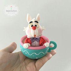 White rabbit, Alice in Wonderland cake topper