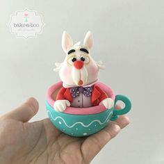 White rabbit, Alice in Wonderland cake topper