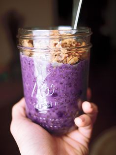 blueberry pie chia pudding: not gonna lie, i've never had blueberry pie before, but i don't think i'll need to after trying this. this is the BEST breakfast i've made in a while! followed a recipe from ohsheglows.com, added some cinnamon and nutmeg for spice, used coconut milk instead of almond milk, and topped it with plain baked oatmeal and almond butter. soooo good. Muesli, Granola, Clean Recipes, Sweet Recipes, Whole Food Recipes, Paleo Recipes, Scones, Chia Recipe, Chia Pudding