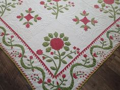 Amazing Christmas 1850s Antique Applique Red Green QUILT Holly Berries